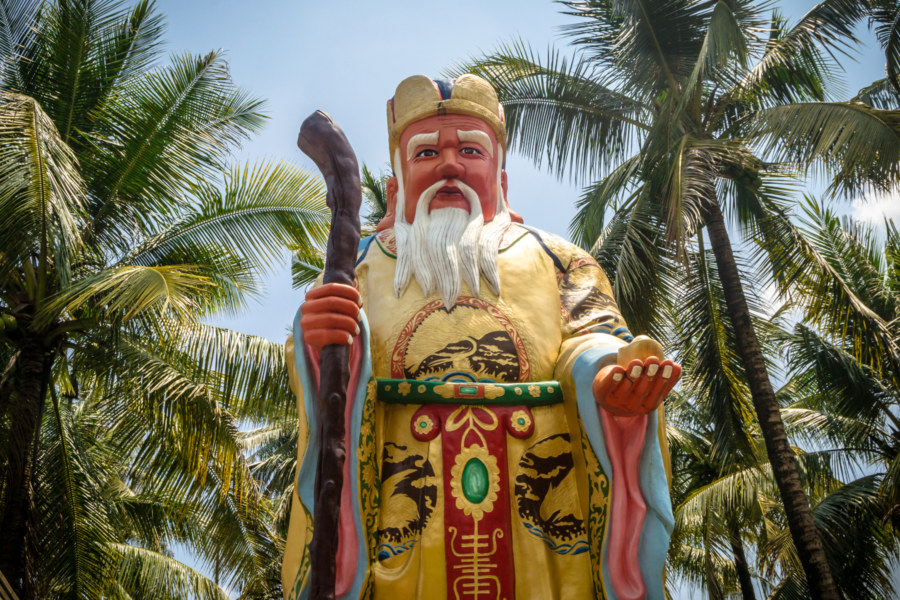 Tudigong statue on the outskirts of Pingtung City