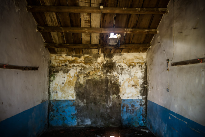 Inside one of the abandoned shacks on Nanren Road