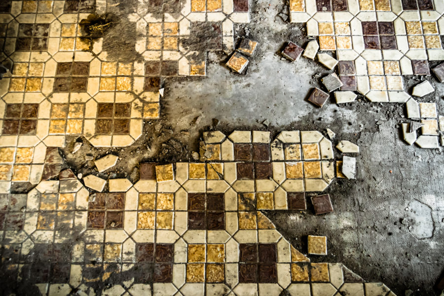 Broken Tile at Chenggong Theater