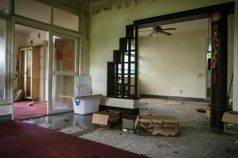 An abandoned home filled with veteran artifacts